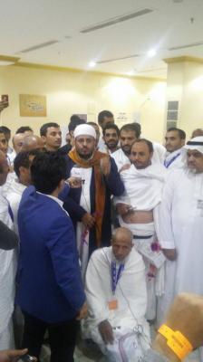 وزير الأوقاف يستقبل اول فوج من الحجاج اليمنيين الواصلين مكه