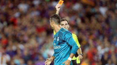 رسميًا.. إيقاف رونالدو 5 مباريات بعد الطرد والاعتداء