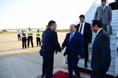 الرئيس هادي يصل المغرب للقاء الملك سلمان ( صوره)