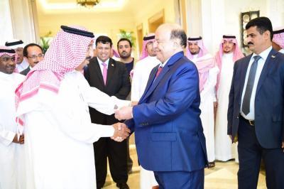 بالصور .. الملك سلمان بن عبد العزيز يستقبل الرئيس هادي في المغرب