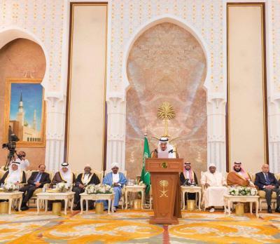 الفريق علي محسن الأحمر يحضر الحفل السنوي الذي يقيمه الملك سلمان لكبار الشخصيات ( صوره)