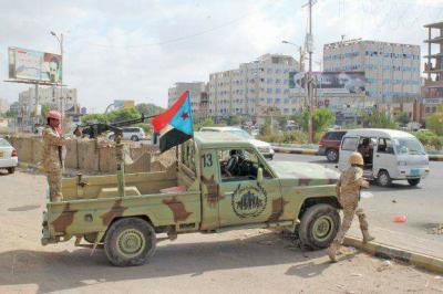 تفاصيل وأسباب الإشتباكات التي إندلعت بين قوات من الحماية الرئاسية والحزام الأمني بعدن