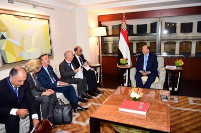 الرئيس هادي يستقبل في مقر إقامته بنيويورك وزير الخارجية الإيطالي ومندوبة الولايات المتحدة لدى الأمم المتحدة ( صور)