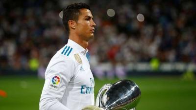 رونالدو يطالب بشروط جديدة في عقده أسوة بميسي