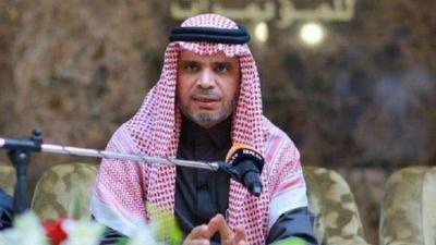 """السعودية.. وزير التعليم يطيح بوكيل """"المناهج"""" وينهي تكليف مراجعي الكتب"""