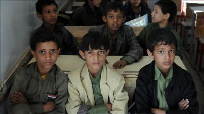 بلا معلمين ولا كتب.. اليمن يستقبل عامه الدراسي الرابع تحت الحرب