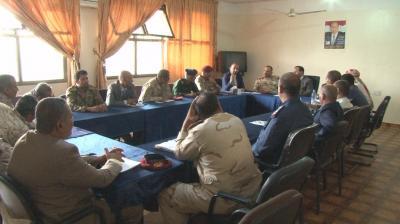 """نائب رئيس الوزراء """" جباري """"  يعقد اجتماع بأعضاء اللجنة الأمنية العليا في تعز"""