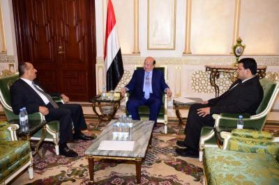"""الرئيس هادي يحسم الجدل حول قبول إستقالة محافظ تعز """" المعمري """""""