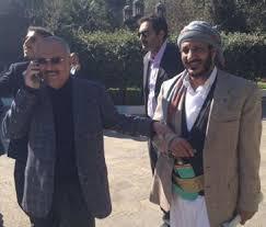 """قيادي وصحفي حوثي يتحدث عن فيديوهات وملفات تدين """" صالح """" و """"  العميد طارق """" كفيله بإحراقهما وسط ميدان التحرير !"""