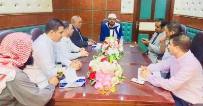اجتماع موسع يناقش ترتيبات انطلاق موسم العمرة بعد توقف ثلاث سنوات