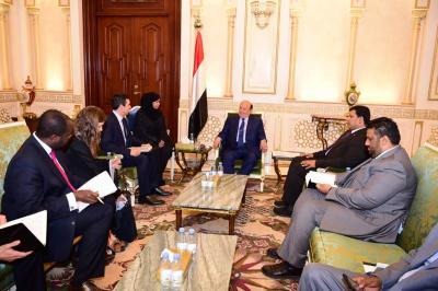 الرئيس هادي يستقبل مدير دائرة الشرق الأوسط في الخارجية البريطانية