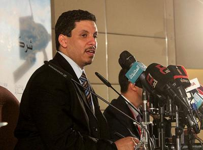 بن مبارك يكشف حقيقة التسريبات التي إنتشرت حول مبادرات جديدة لحل الأزمة في اليمن