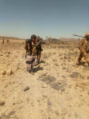 آخر مستجدات المعارك بين الحوثيين وقبائل آل عواض .. وتحذيرات قبلية من قبول الوساطة