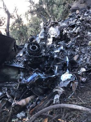 شاهد بالصور .. هنا سقطت طائرة الأمير منصور بن مقرن وهذا حطامها