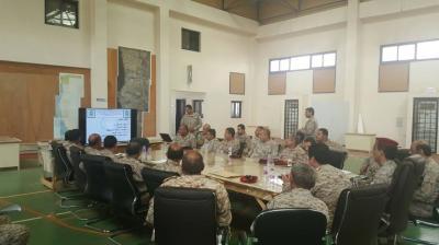 رئيس هيئة الأركان يعقد اجتماعا بقيادة المنطقة العسكرية الخامسة ويزور معسكر القوات السودانية