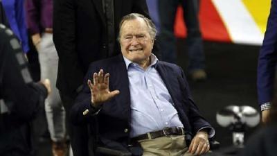 بوش الأب أطول الرؤساء الأمريكيين عمرا