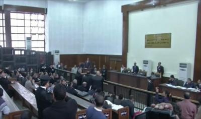 إعدامات بالمئات في مصر بينهم مرشد الإخوان