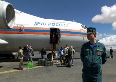 ما سبب مغادرة البعثة الدبلوماسية الروسية  .. وهل إقتربت معركة صنعاء ؟