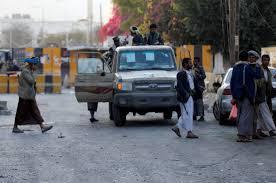 """إنتشار كثيف للمسلحين الحوثيين في العاصمة صنعاء وإعادة """" المتارس """" في أكثر من منطقة"""