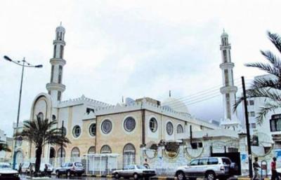 بعد فشل الأجهزة الأمنية بعدن .. شُبان يتطوعون لحماية أئمة المساجد