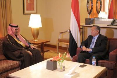 بن دغر يناقش مع السفير السعودي لدى اليمن ملف إعادة إعمار اليمن