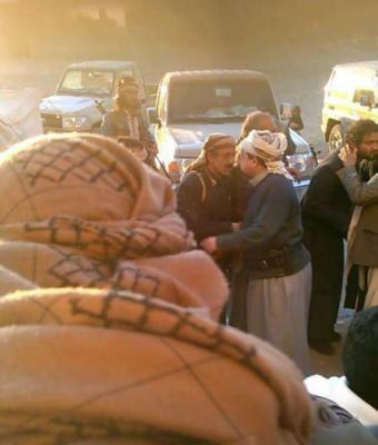 محافظ ذمار يستقبل قيادات عسكرية وقبلية أعلنت انضمامها للشرعية