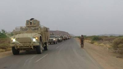 الحوثيون يشنون هجوماً على الخوخة
