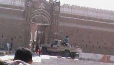 بتهمة التخابر .. الحوثيون ينفذون حملة إعتقالات ومداهمات في الحديدة