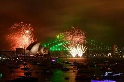 العالم يبدأ احتفالات استقبال العام 2018