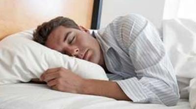 علمياً.. هذا هو عدد الساعات المناسب للنوم ليلاً