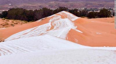 شاهد بالصور.. سقوط الجليد على الصحراء و أكثر المناطق حرارة على الأرض