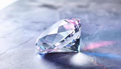 شاهد بالصور .. هذه أغلى قطع الماس في العالم .. وهذه أسعارهن