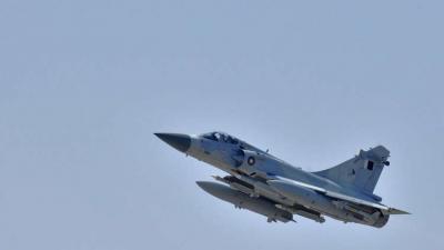 الإمارات تعلن إعتراض مقاتلات قطرية لطائرة مدنية إماراتية .. وقطر تنفي