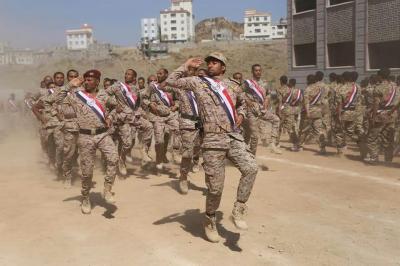 الاحتفال بتخرج أولى كتائب الحماية الرئاسية في تعز ( صوره)