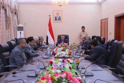 إجتماع إستثنائي للحكومة يقف على التطورات العسكرية في عدن ( تفاصيل)