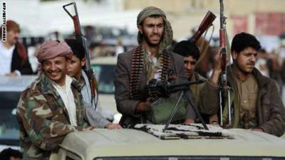 المواجهات المسلحة في عدن ستعيد للحوثيين قواهم وتفكك جبهات الشرعية
