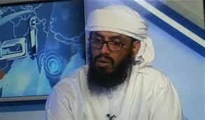 """الكاتب السعودي """" خاشقجي """" يشن هجوماً على هاني بن بريك ويقول : سلفيه عند الطلب"""
