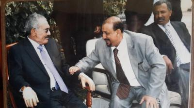 """القيادي المؤتمري """" سلطان البركاني """" يحسم الجدل ويكشف حقيقة بث فيديو لخطاب الرئيس الراحل صالح على قناة اليمن اليوم"""