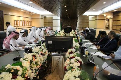 وزير الأوقاف يناقش مع الجانب السعودي الترتيبات الخدمية لحجاج اليمن للموسم الحالي