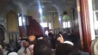 بالفيديو .. مصلون يطردون خطيب حوثي من مسجد في العاصمة صنعاء