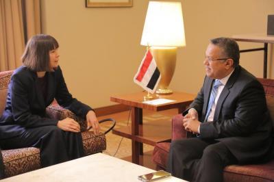 بن دغر يلتقي القائمة بأعمال السفارة الأمريكية لدى اليمن