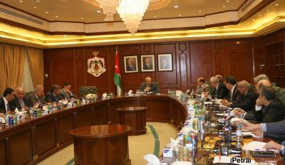 مجلس الوزراء الأردني يصدر قرارات بشأن دخول اليمنيين إلى المملكة ومن يحق له الإعفاء من طلب التأشيرة المسبقة