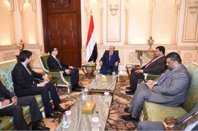 الرئيس هادي يستقبل السفير التركي لدى اليمن