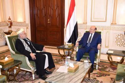 الرئيس هادي يلتقي رئيس المحكمة العليا القاضي حمود الهتار