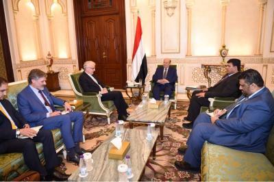 الرئيس هادي يستقبل السفير الألماني لدى اليمن