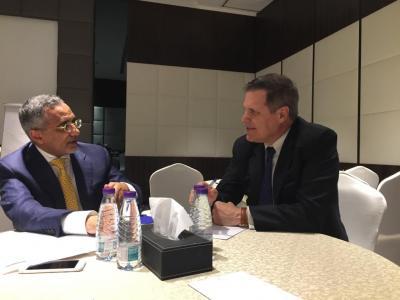 السفير الأمريكي لدى اليمن يكشف طبيعة المساعدة التي ستقدمها أمريكا للبنك المركزي اليمني