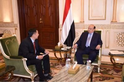 الرئيس هادي يشيد بمتانة العلاقات اليمنية - الصينية