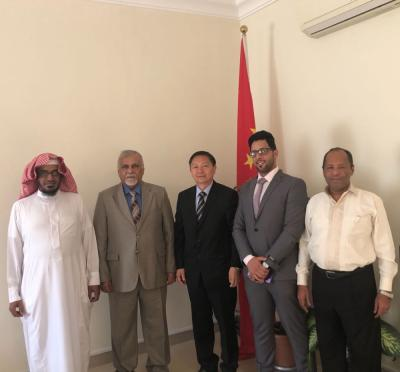 الصين تقترب من عدن .. قيادات في الحراك الجنوبي يجتمعون بالدبلوماسين بالسفارة الصينية لدى اليمن