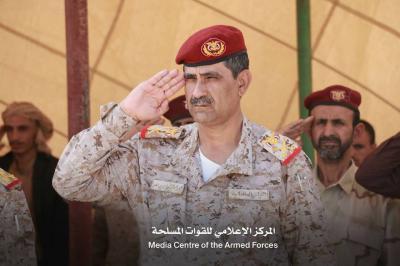 """تخرج دفعة جديدة من قوات الجيش بمأرب """" مهارات قتاليه """" ( صور)"""