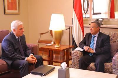 بن دغر يستقبل السفير الروسي لدى اليمن
